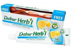 Отбеливающая зубная паста с солью и лимоном Dabur Herbal  зубная щетка В ПОДАРОК!